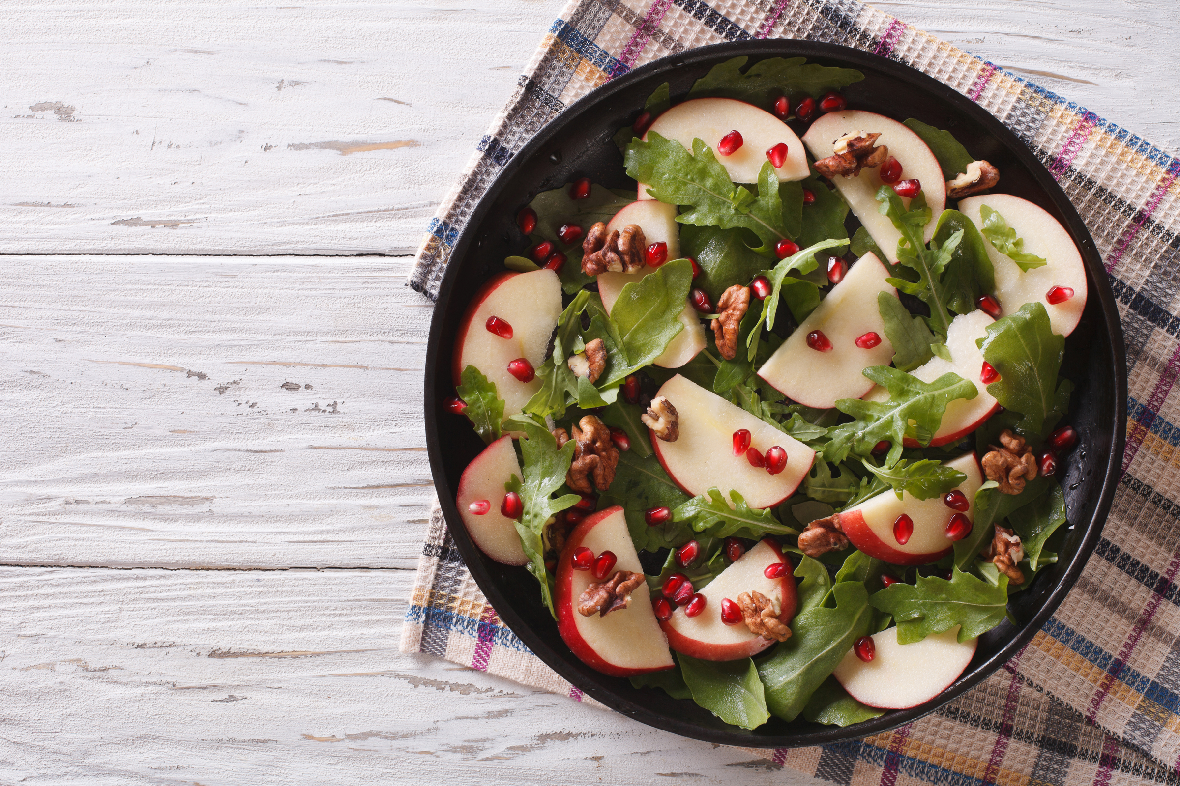 WEB-SALAD-POMEGRANATE-APPLE-Shutterstock-AS-Food-studio