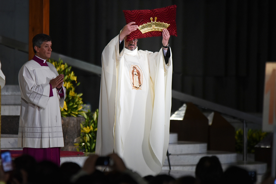 WEB-POPE-FRANCIS-OUR-LADY-OF-GUADALUPE-BASICLICA-007-Marko-Vombergar-ALETEIA-CC