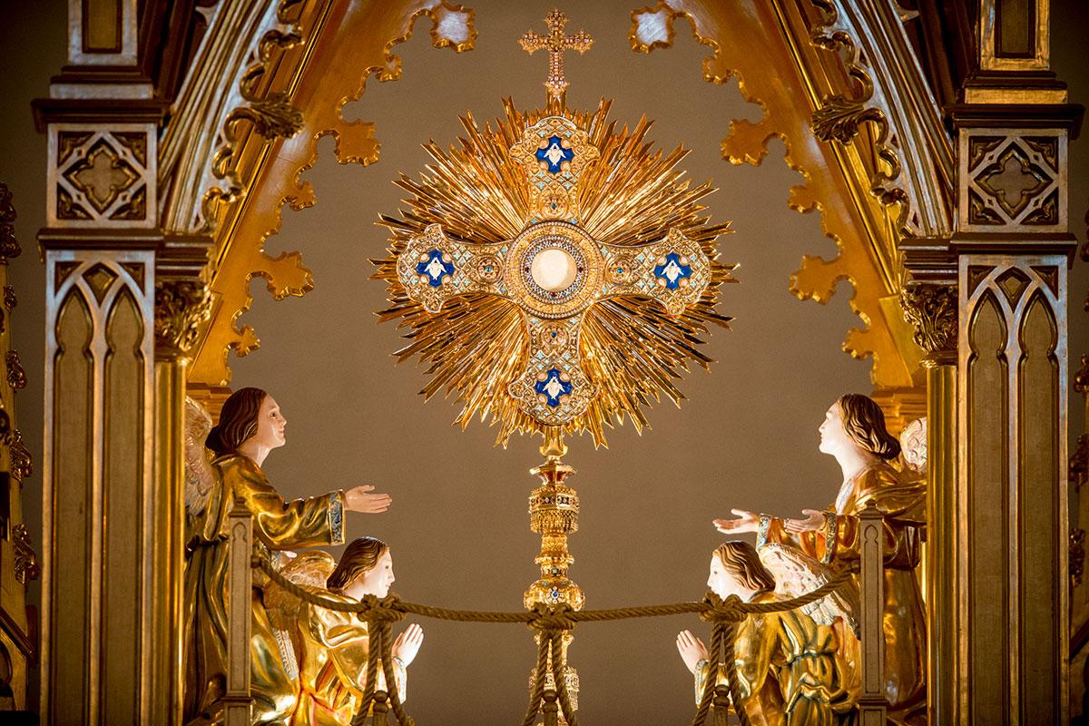 web-hanceville-shrine-eucharist-montrance-jeffrey-bruno-for-ewtn