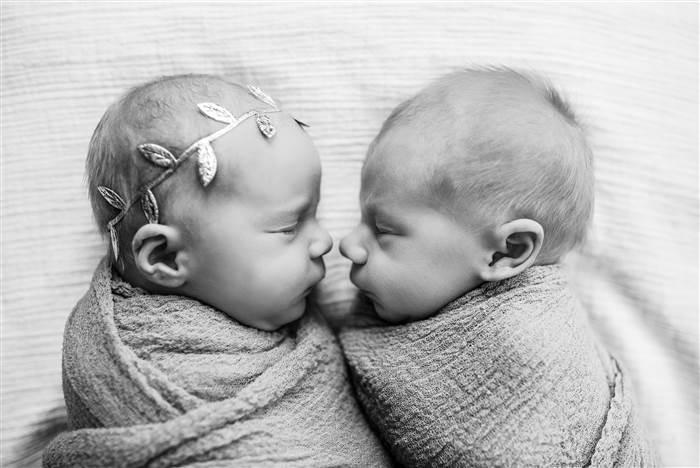 web-newborn-photos-lindsey-brown-photography-01