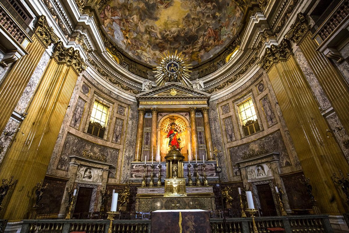 web-gesu-rome-church-003-photogolfer-shutterstock_302641763