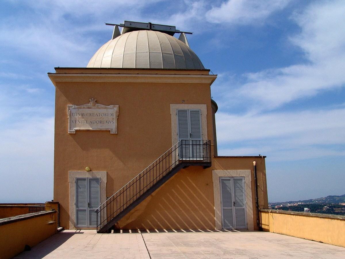 VATICIAN TELESCOPE,PONTICIAL PALACE