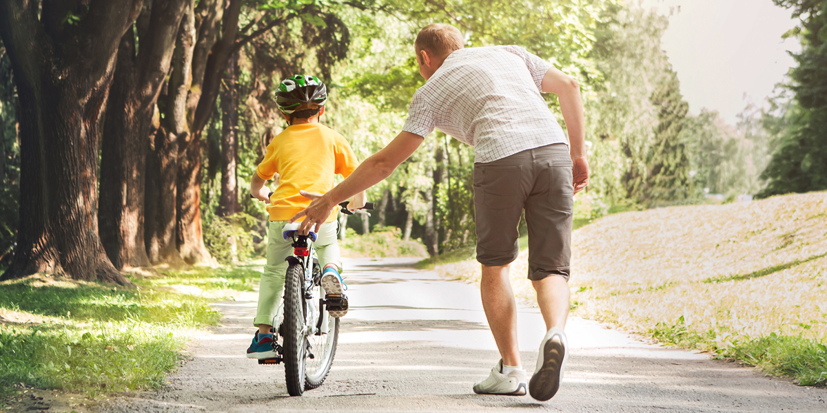 DAD,KID,BIKE