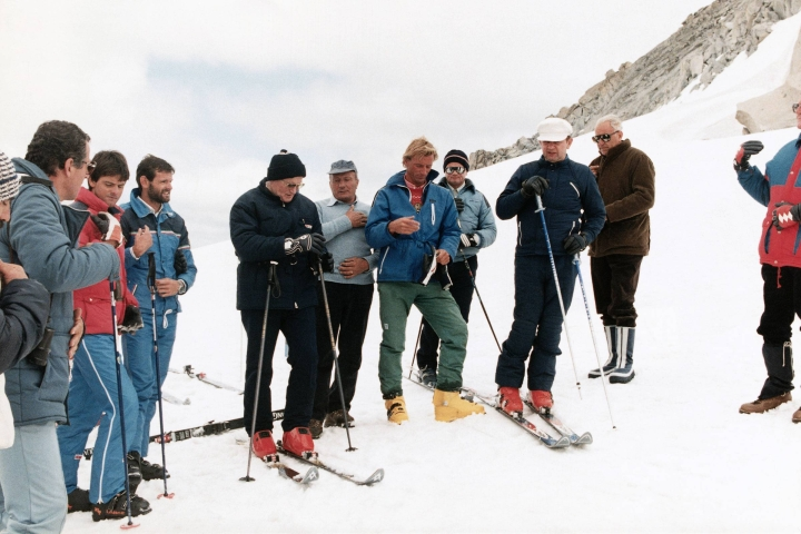 POPE JOHN PAUL II,SKIING